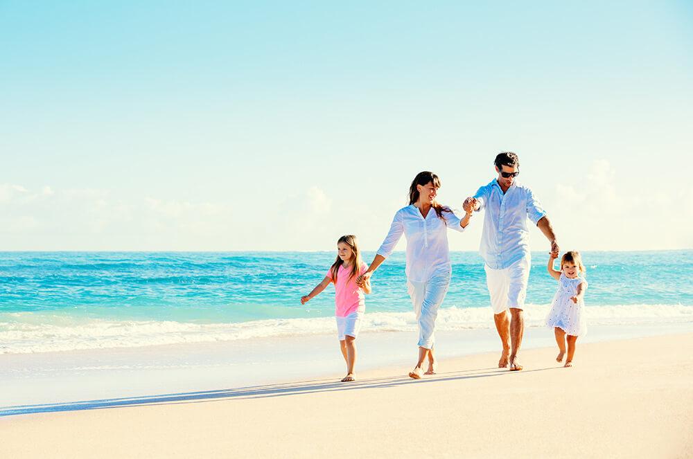 Beginnings Treatment Centers Family on Beach