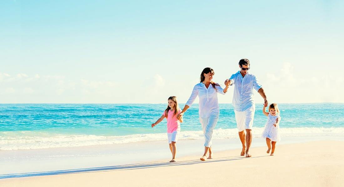 Beginnings-Treatment-Centers-Family-on-Beach
