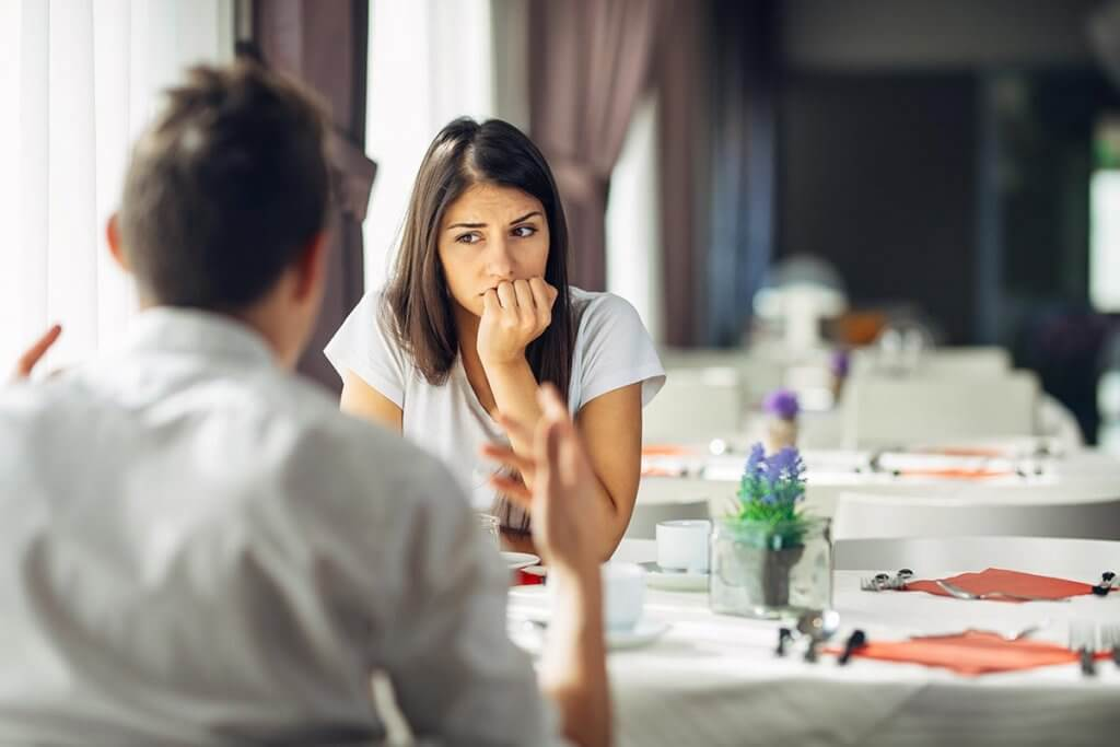 beginningstreatment-how-can-a-pathological-liar-recover-article-photo-worried-woman-Feeling-guilty