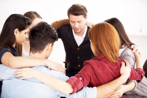 beginningstreatment-what-if-12-step-doesnt-work-for-me-article-photo-circle-of-trust-group-of-people-sitting-in-circle-and-supporting-each-other