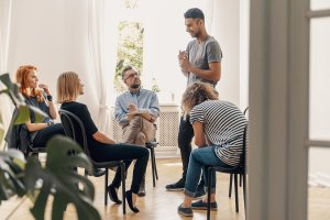 beginningstreatment-Benefits-of-Long-Term-Drug-Rehab-photo-of-a-group-therapy